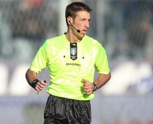 """Roma Cagliari, l'arbitro imperiese Davide Massa duramente contestato dalla dirigenza giallorossa: """"Condotta di gara arrogante"""""""