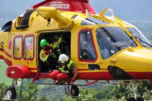 Elisoccorso, all'aeroporto di Villanova in atto l'addestramento del personale sanitario per l'esordio del servizio gestito dai privati