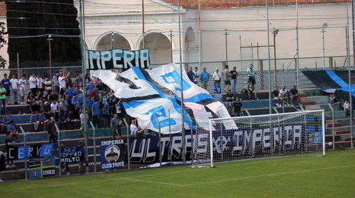 Calcio: Albenga-Imperia, gli ultras nerazzurri bloccati alla stazione