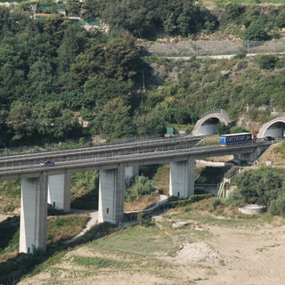 A passo di lumaca sull'autostrada tra Masone e Savona: nuova mail di protesta di un nostro lettore