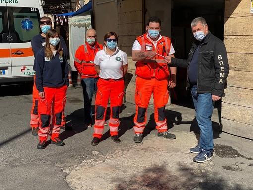 Emergenza sanitaria: due commoventi storie di donazioni per agevolare gli operatori della Croce Bianca di Imperia