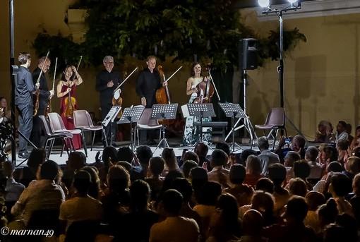 Cervo: oltre 400 spettatori ieri sul Sagrato dei Corallini per il concerto dei 'Berliner Philarmoniker' e Tatjana Vassiljeva (Foto e Video)