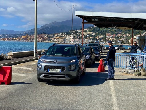 Dal 16 maggio basterà un tampone negativo per entrare in Italia: buone notizie per turismo e negozi della provincia di Imperia