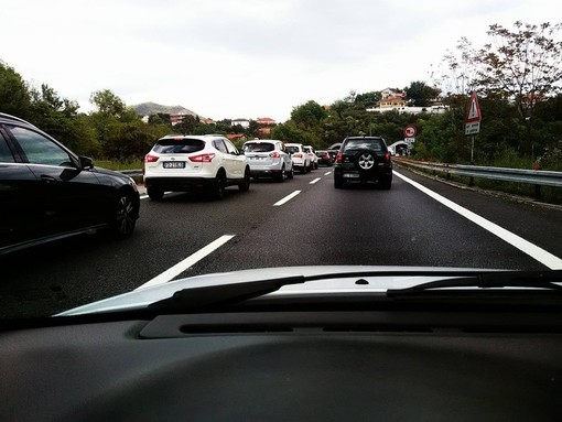"""Caos sulle autostrade della Liguria: Coldiretti """"Inaccettabile dopo mesi di stop e chiusure a causa della pandemia"""""""