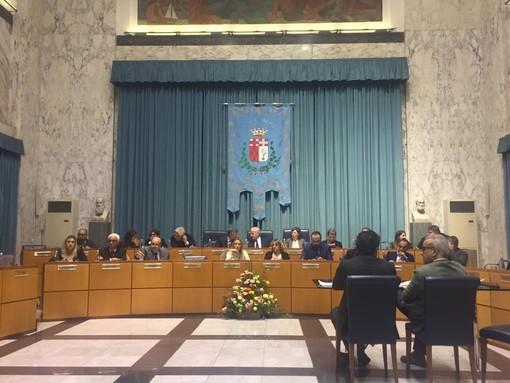 Imperia: approvato il nuovo regolamento comunale per matrimoni e unioni civili, bocciati gli emendamenti della minoranza