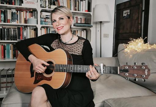 Musica: da oggi è disponibile il nuovo disco della cantautrice di Lingueglietta Chiara Ragnini