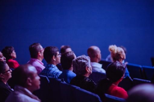 Conferma dalla Bozza del Dpcm: cinema e teatri aperti dal 27 marzo, parrucchieri chiusi in zona rossa