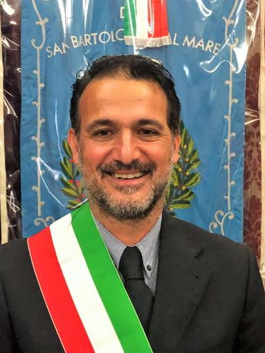 Editoria: oggi pomeriggio dalle 13 alle 14 in diretta su Radio Onda Ligure 101 il Sindaco di San Bartolomeo al Mare