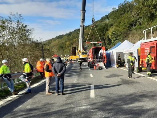 Crollo del viadotto sulla A6 Savona-Torino: la Finanza negli uffici di Autostrada dei Fiori Spa e Sina