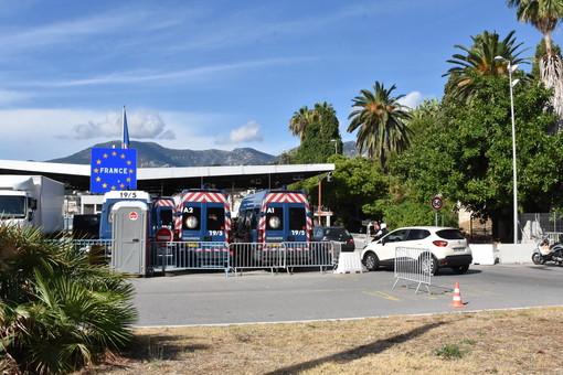Non verrà chiesto il test negativo a chi va in Francia via terra: domani non sono previste code per i frontalieri