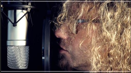 """""""Il genio"""", il nuovo brano del cantautore sanremese Maurizio Ferrandini con il chitarrista di Imperia Tony Bellardi"""
