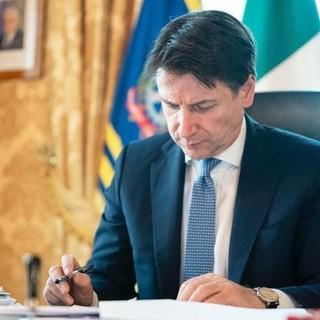 Covid, il premier Conte ha firmato il nuovo DPCM: stretta su bar e ristoranti, cinema, palestre e luoghi pubblici (VIDEO)