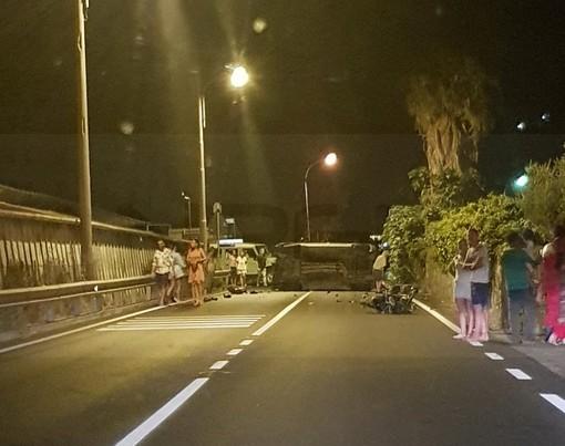 È ricoverato in gravi condizioni ed in prognosi riservata il 16enne ferito stanotte nell'incidente di Riva Ligure (Foto)