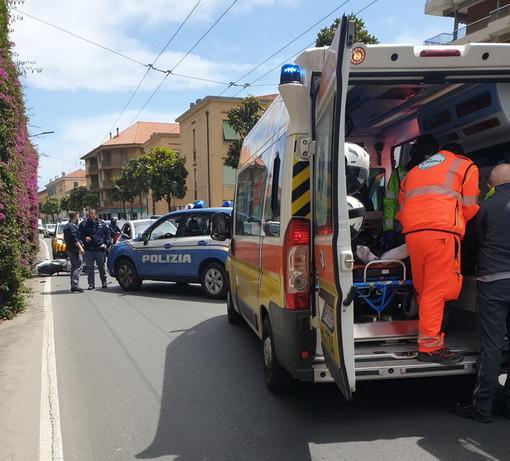Ventimiglia: incidente nel primo pomeriggio in corso Genova, due i feriti in modo lieve (Foto)