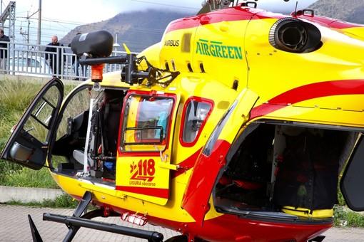 Ranzo, uomo colto da un malore mentre lavora in campagna, interviene l'elicottero
