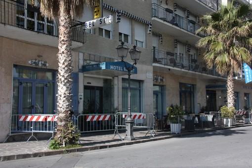 Alassio: intervista ad un cameriere dell'hotel 'Bel Sit' in quarantena da ieri dopo il caso della turista lombarda (Video)