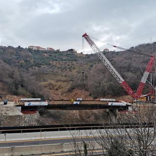 A6 Savona-Torino: proseguono i lavori sul viadotto 'Madonna del monte', varato l'impalcato del nuovo viadotto in anticipo rispetto al programma lavori (Foto)