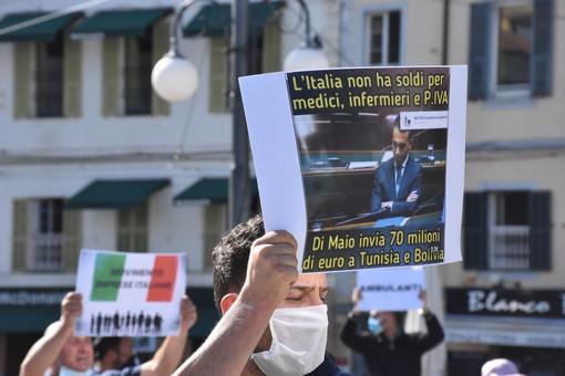 """Sanremo: in 200 (500 per gli organizzatori) per la manifestazione 'Pane e Cipolla', gli organizzatori """"Non ci fermeremo qui, andremo a Roma"""" (Foto e Video)"""