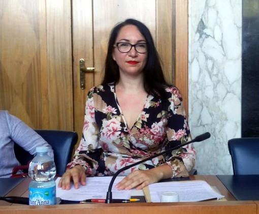 Imperia: tre le question time, tutte a tema rifiuti presentate oggi in Consiglio dalla capogruppo M5S Maria Nella Ponte