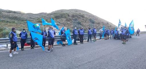 Iniziato questa mattina lo sciopero dei corrieri Gls anche nell'imperiese: gli altri lo hanno sospeso (Foto)
