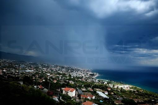 Nel pomeriggio dopo diverse settimane torna a piovere in Liguria: allerta gialla nel savonese e a Genova