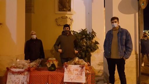 Pontedassio: nella notte di Natale raccolti 700 euro con la distribuzione del 'Pane della Vigilia'