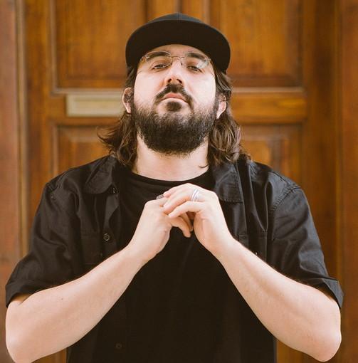 Questa mattina poco dopo mezzogiorno su Radio Onda Ligure intervista al rapper romano 'Piotta'