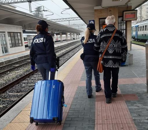 Controlli della Polizia Ferroviaria nelle stazioni e sui treni durante le festività: due arresti e 23 denunce