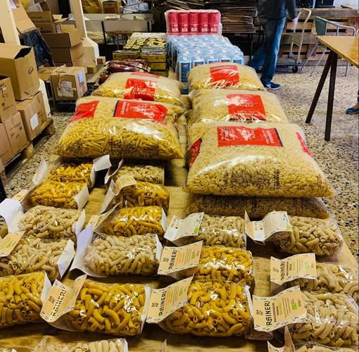Imperia: la Caritas di Oneglia ringrazia 'On Centro' ed il comitato San Giovanni per la raccolta di alimentari