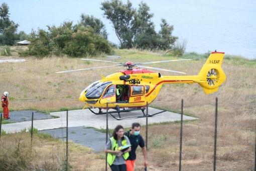 Diano Marina: lieve incidente in un giardino, donna trasportata in elicottero al 'Santa Corona' di Pietra Ligure