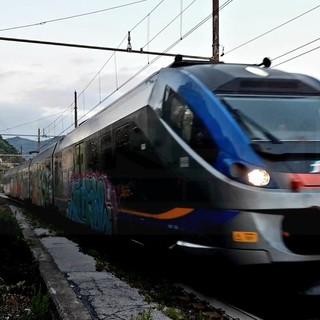 """Treno vandalizzato con la livrea 'Cr7': un nostro lettore """"Meno pubblicità ai writers e più controlli"""""""