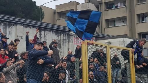 Giudice Sportivo, Eccellenza: multate Sestri Levante e Imperia, tifosi neroazzurri hanno lanciato un estintore sugli spalti