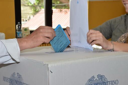 Elezioni Amministrative ed Europee: scattato a mezzanotte il 'silenzio', domani si vota dalle 7 alle 23