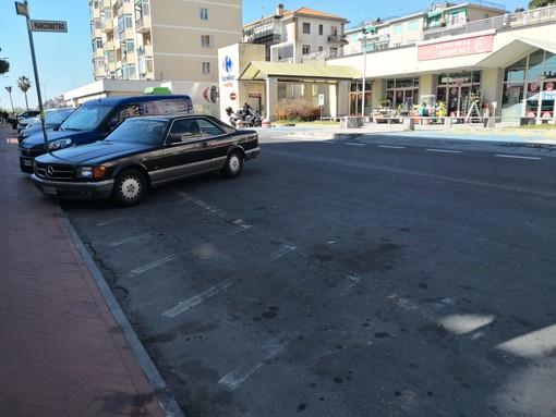 Imperia: nuovi parcheggi a pagamento in via Armelio, prenderanno il posto dell'ex isola ecologica (Foto)