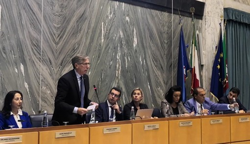 Imperia: dopo circa tre mesi di ricovero ospedaliero Vincenzo Garibbo torna in Consiglio Comunale