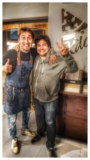 Lo chef Mauro Colagreco, tre stelle Michelin in visita da Kilo la nuova pinseria di Imperia.