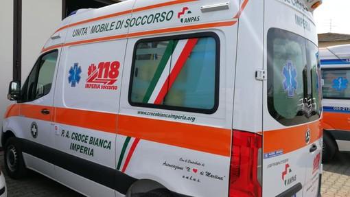 Imperia: il bimbo vuole venire alla luce prima di arrivare in ospedale, due volontari della Croce Bianca lo fanno nascere in ambulanza