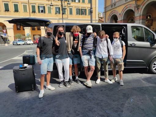 """Arrivati in Italia gli otto ragazzi bloccati a Malta per la quarantena, un genitore: """"Ci siamo sentiti trascurati dalle nostre istituzioni"""""""