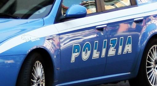 Imperia: con un'accetta minacciava i passanti sul lungomare Vespucci, trentaduenne ghanese allontanato dalla Polizia