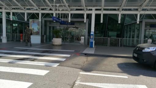 Nizza: all'aeroporto nessuna allerta Coronavirus. Ieri tre voli per Roma annullati, ma era solo per uno sciopero