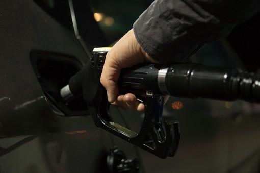 La Regione Liguria ha abrogato l'imposta regionale sulla benzina per i mezzi di trasporto