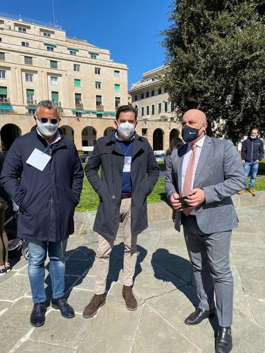 """L'Assessore regionale al turismo e lavoro Gianni Berrino a manifestazione fipe: """"È un dovere per me essere qui oggi in piazza"""""""