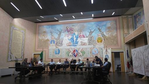 Diano Marina: approvato dal Consiglio comunale il regolamento per l'occupazione del suolo pubblico