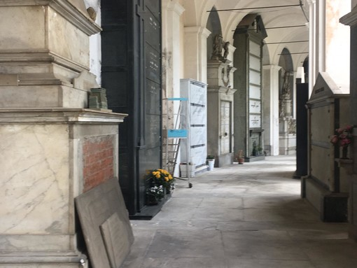 Imperia: luci votive non funzionanti al cimitero di Oneglia, la segnalazione di un lettore