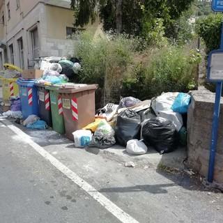 Imperia, ripulita dai rifiuti via Budamà II: la soddisfazione di un nostro lettore