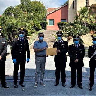 Coronavirus, i Carabinieri della provincia di Imperia ringraziano l'Asl 1. Incontro per la consegna di una donazione da parte dell'Arma