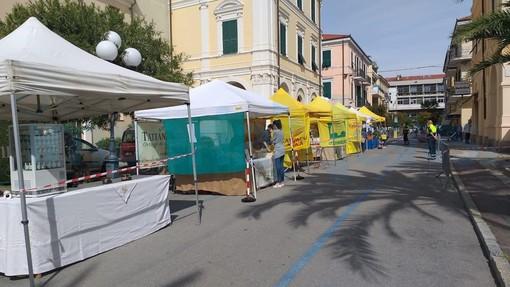 Coronavirus, Diano Marina: ha riaperto il farmer market. Rispettate in pieno le misure di sicurezza (Foto)