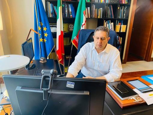 """Coronavirus, regione Liguria, Toti: """"Da domani via libera agli spostamenti nei comuni confinanti di regioni limitrofe per visitare congiunti"""""""