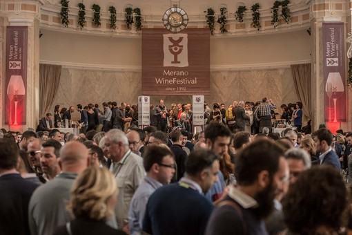 """Inaugurato questa mattina il """"Merano WineFestival"""" sfidando la pioggia e le previsioni meteo negative"""