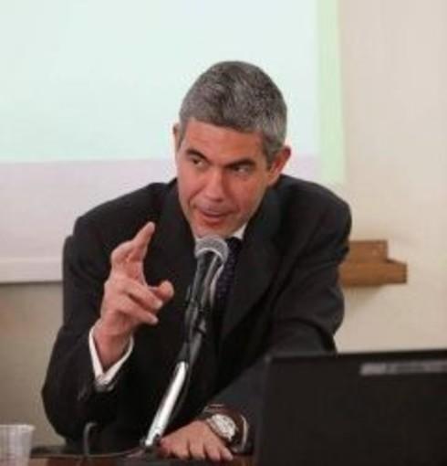 Lo scrittore Michele Navarra ai Martedì letterari del Casinò di Sanremo